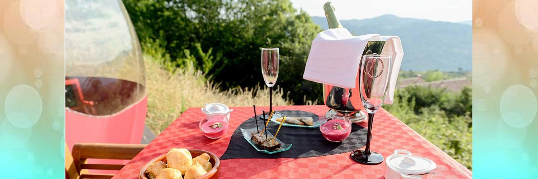 apéritif bulle Glam séjour insolite Drôme, Ardèche, Gard, Auvergne, Puy de dôme